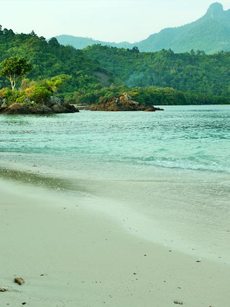 Sisi Timur Laut Pulau Kelapa