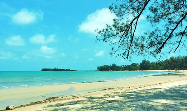 Belitung Island - Burong Mandi beach
