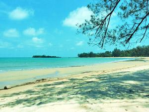 Pantai Burong Mandi