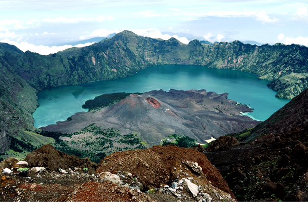 Rinjani National Park - Detailed View of The Crater (Segara Anak Lake and Mount Baru Jari)