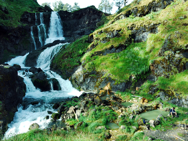 Rinjani National Park - Waterfall and Hot Springs Nearby the Lake