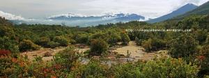 View Gunung Cikuray dari Gunung Papandayan