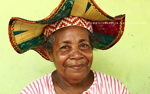 Mama Maria Fakadawer Menggunakan Kayafyof Gelombang