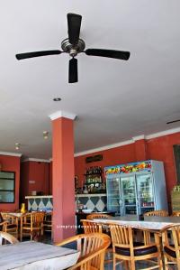 Agus Shipwreck Bar and Restaurant