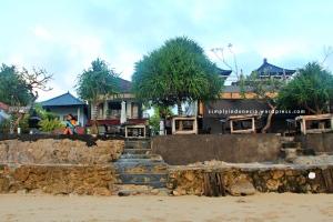 Tarci Bungalows - Agus Shipwreck Bar and Restaurant
