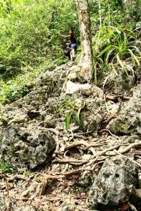 Trek Menuju Puncak Wayag Satu 00