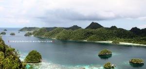 View Dari Puncak Wayag Satu 01