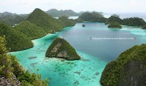 View Dari Puncak Wayag Satu 02