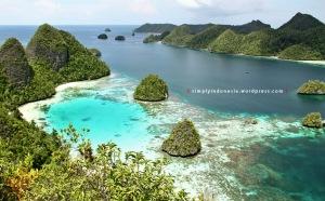 View Dari Puncak Wayag Satu 04