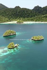 View Dari Puncak Wayag Satu 05