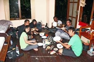 Interior Kamar Penginapan Waiwo Dive Resort 1