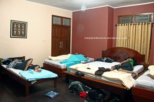 Interior Kamar Penginapan Waiwo Dive Resort 2