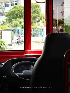 Kokpit Bus Surabaya Heritage Track