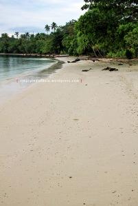 Pantai Pasir Pulau Pahawang 2