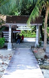 Gapura selamat datang Pulau Kotok Besar