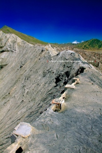 Kaldera Gunung Bromo pasca erupsi