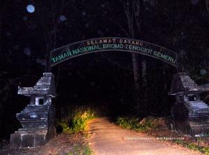 Gapura Selamat Datang Taman Nasional Bromo Tengger Semeru 1