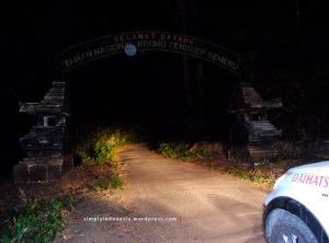 Gapura Selamat Datang Taman Nasional Bromo Tengger Semeru 2