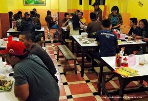 Makan malam di Warung Bebek Bakar, Malang