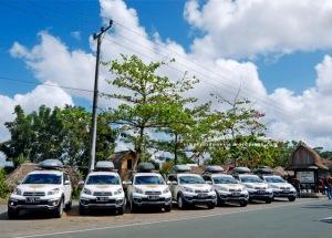7 Terios di area parkir Desa Sade Rembitan