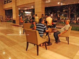 Lobby Hotel Santika Mataram