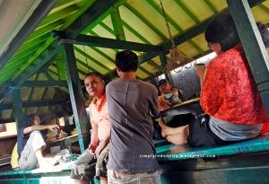 Makan siang di Rumah Makan Taliwang Kania, Lombok