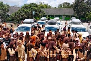 Siswa siswi SMA Al-Masyhudien NW Kawo
