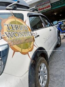 Tim Terios 7 Wonders makan siang di Rumah Makan Taliwang Kania