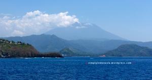 View Gunung Agung dari Padang Bai