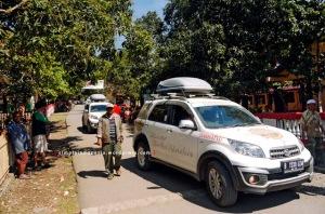 Akses jalan utama Desa Palama 1