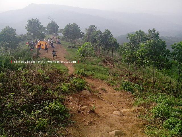 Lokasi Kemping Camping Ground Gunung Batu Jonggol