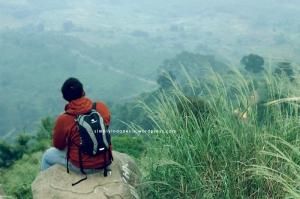 Menikmati pemandangan dari ketinggian 2